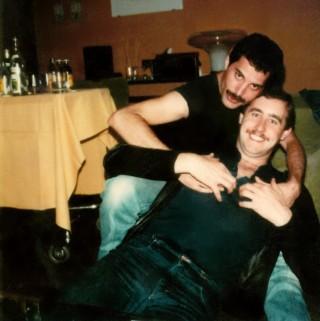 Freddie e il suo assistente, Paul Freestone, foto di QueenHeaven