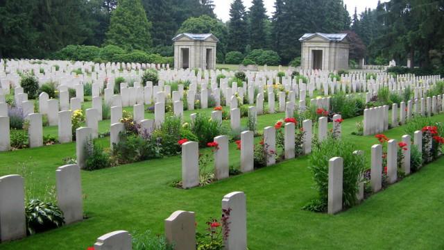 cimitero-di-amburgo-16933187