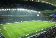 Estádio do Dragão, casa del Porto, fonte By Edgar Jiménez from Porto, Portugal - Estádio do DragãoUploaded by JotaCartas, CC BY-SA 2.0, https://commons.wikimedia.org/w/index.php?curid=24982068