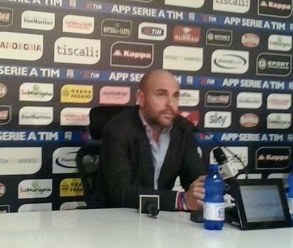 Tommaso Giulini in conferenza stampa come presidente del Cagliari Calcio (Wikipedia.org)