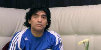 Diego Armando Maradona fonte foto: Di Armando Tovar from Mexico City, MX - Maradona, CC BY 2.0, https://commons.wikimedia.org/w/index.php?curid=2163720