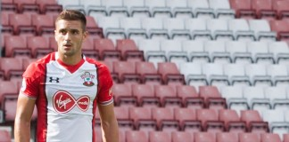 Dusan Tadic, fonte By Solent Creatives from Southampton, United KIngdom - Southampton FC versus Sevilla, CC BY 2.0, https://commons.wikimedia.org/w/index.php?curid=61525406