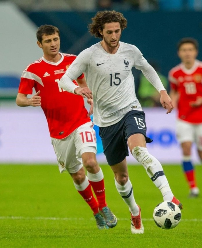 Rabiot, fonte By Вячеслав Евдокимов - fc-zenit.ru, CC BY-SA 3.0, https://commons.wikimedia.org/w/index.php?curid=67902660