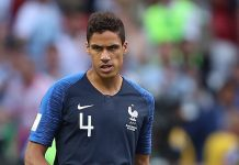 Raphaël Varane, fonte By Антон Зайцев - https://www.soccer.ru/galery/1056072/photo/734535, CC BY-SA 3.0, https://commons.wikimedia.org/w/index.php?curid=70414491