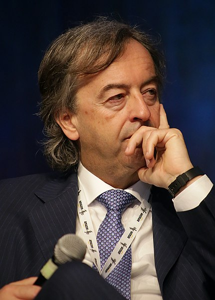 Roberto Burioni, fonte Di International Journalism Festival - Flickr, CC BY-SA 2.0, https://commons.wikimedia.org/w/index.php?curid=86298652