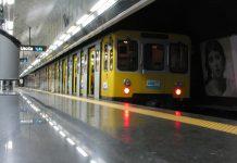 Assembramenti a Napoli, Folla sulla linea 1, Trasporti in tempi di COVID, Fase 2 a Napoli