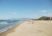 Spiaggia di Mondragone, fonte Wikipedia, google contrassegnate per essere riutilizzate