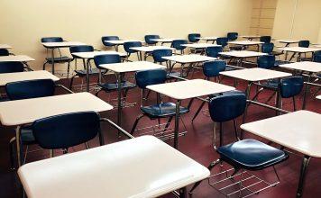 Le scuole non chiudono, Covid nelle scuole, Test rapidi nelle scuole, Primo caso positivo nelle scuole, Mascherine non necessarie