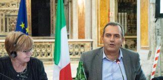 Misure restrittive a novembre, De Magistris sulla politica di De Luca